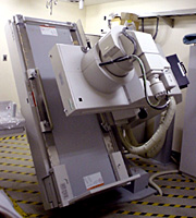 Picture of a fluoroscope machine